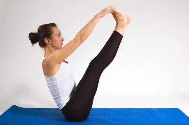 yoga adelgazar piernas