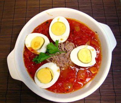 huevos-en-salsa-de-tomate-adelgazar