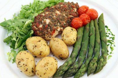 Espárragos y repollo , recetas sanas para perder peso