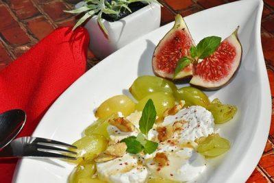 Platano, piñas y uvas, recetas caseras para bajar de peso