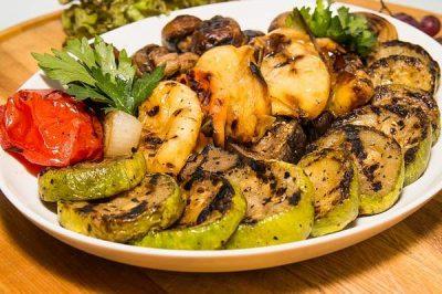 Berenjenas, calabacines y cebollas, recetas sanas para perder peso