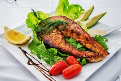 El selenio se encuentra en la carne, pescado y cereales integrales