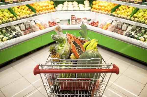 ¿Cómo comprar jugos y vegetales en el supermercado?