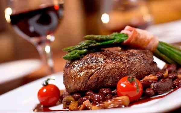 Comer sin grasa fuera de casa en el restaurante