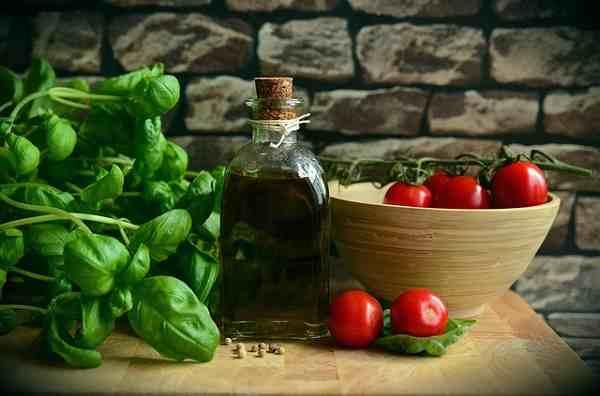 Consejos para comprar aceites, pan y enlatados