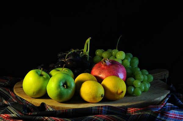 Propiedades de la sandía, plátano y uvas