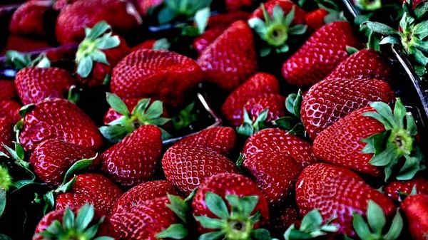 Propiedades del melocotón, cereza, grosella, fresa y naranja